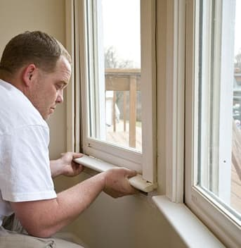 canpro team installing windows - vinyl windows toronto